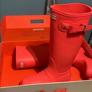 Brand new Pink HUNTER boots!